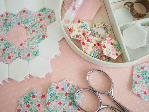 Little HexagonsTutorial - Pretty by Hand