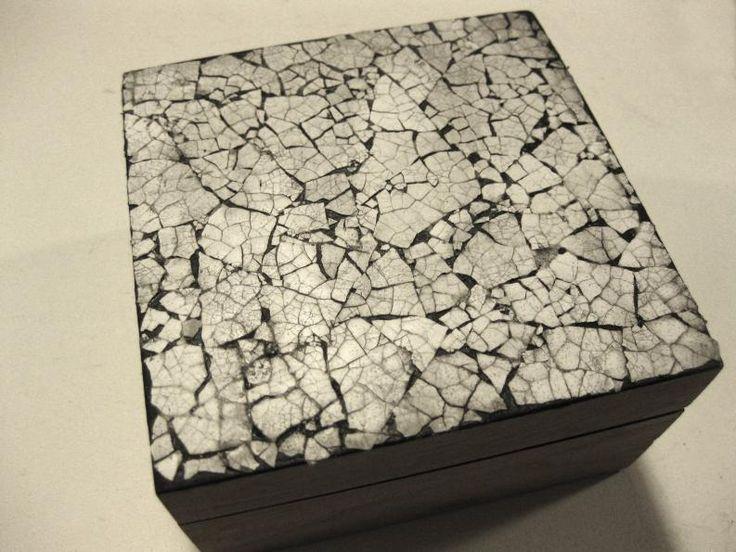 Delicada caja con mosaico de cáscara de huevo - IMujer