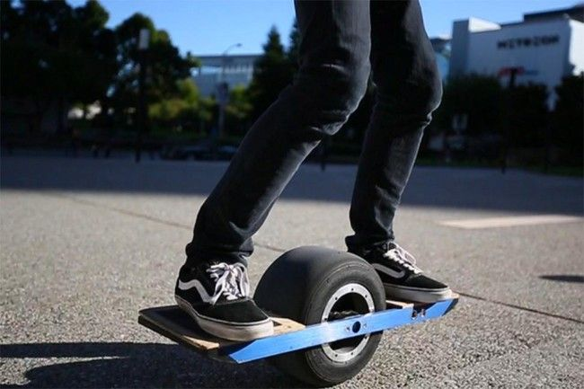 ONEWHEEL: A KICKSTARTER PROJECT THAT BRINGS US A STEP CLOSER TO THE HOVER BOARD.
