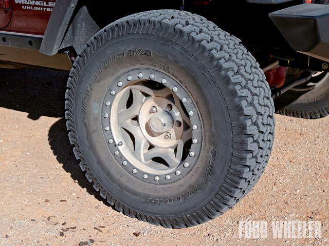 129_0902_03_z+2007_jeep_wrangler_jk+walker_evans_wheels_bfg_tires