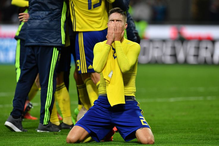 Sweden's players celebrate at the end of the FIFA 2018 World Cup Qualifier Play-Off: Second Leg between Italy and Sweden at San Siro Stadium on November 13, 2017 in Milan