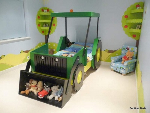 awesome bed for a lil' boy
