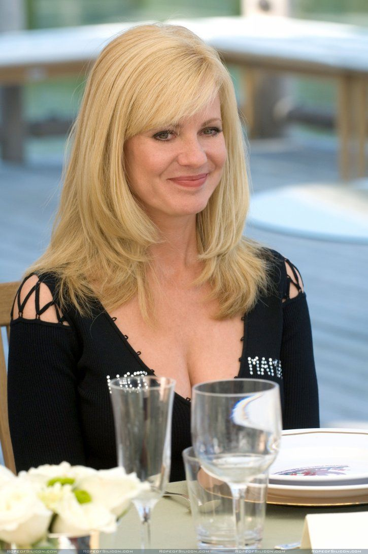 Bonnie Hunt. Funny is sexy.  Smart is sexy. Pretty is sexy. She's got all three. Polish and Irish.