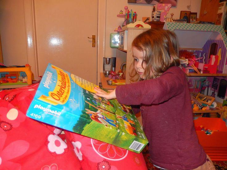 Attachment Mummy: Review: Playmobil Easter Calendar