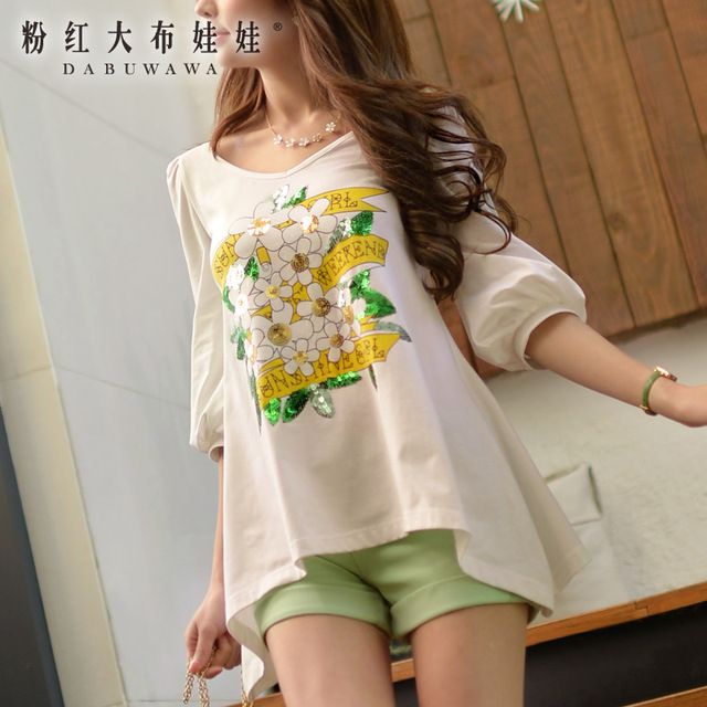 dabuwawa new fahion 2015 spring white printing loose sleeves bottom shirt women t shirts wholesale US $51.77 /piece Specifics Item Type Tops Tops Type Tees Gender Women Decoration None Clothing Length Long Sleeve Style Puff Sleeve Pattern Type Print Brand Name DABUWAWA Style Fashion Material Cotton Collar V-Neck Color Style Natural Color Sleeve Length Half Model Number rt26 Item No D15ATS315 The main colour White  Click to Buy :http://goo.gl/t9O329