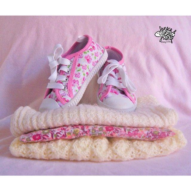 Terminado la semana con el color rosita... Pero que bonito y dulce es ❤️#knitforkids #knitaddict #knitstagram #knitforfun #knittedinspiration #i_loveknitting #knitforbaby #Jentestrikk #kintforgirls #knitting