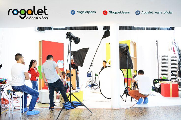 Nuestro equipo está ultimando detalles... Pronto gran lanzamiento de nuestra nueva colección. #PreTemporada #RogaletJeans #FinDeAño #Mayoristas #RopaParaNiños #NiñosyNiños  www.rogaletjeans.com