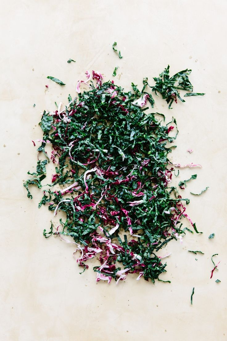 Salads that last in the fridge all week: kale + radicchio
