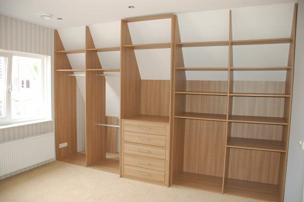 begehbarer kleiderschrank dachschr ge selber bauen. Black Bedroom Furniture Sets. Home Design Ideas