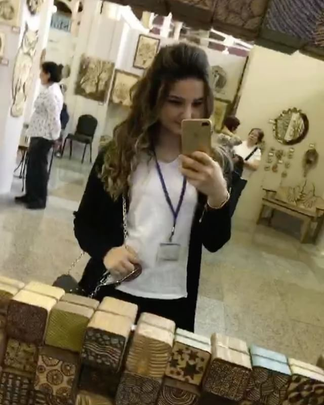Ahşap sanatı #sanat#architecture#interior#elsanatı#woodart#ahşap#qatar#feshane#tasarım#zayn#emek#home#mirror#dizayn#kahve#brown#shine#top#interiordesign#art#arc#istanbul#rectangle#turkey http://turkrazzi.com/ipost/1520563373803118464/?code=BUaIFUKAR-A