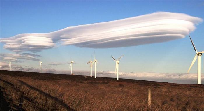 Nubes lenticulares sobre el oeste de Yorkshire.