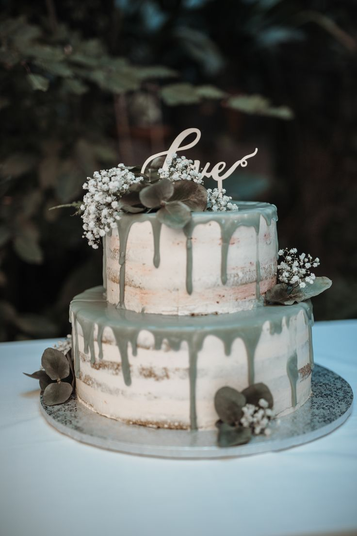 Naakte cake met eucalyptus  – Our Work – Unsere Arbeiten