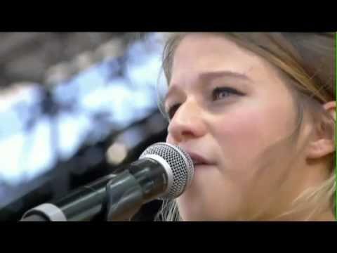 Selah Sue-Fyah Fyah LIVE Vielles Charrues 2012 -