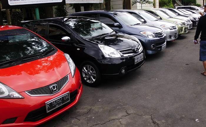 http://otonity.com/30216/daftar-mobil-bekas-murah-harga-dibawah-rp-100-juta.html