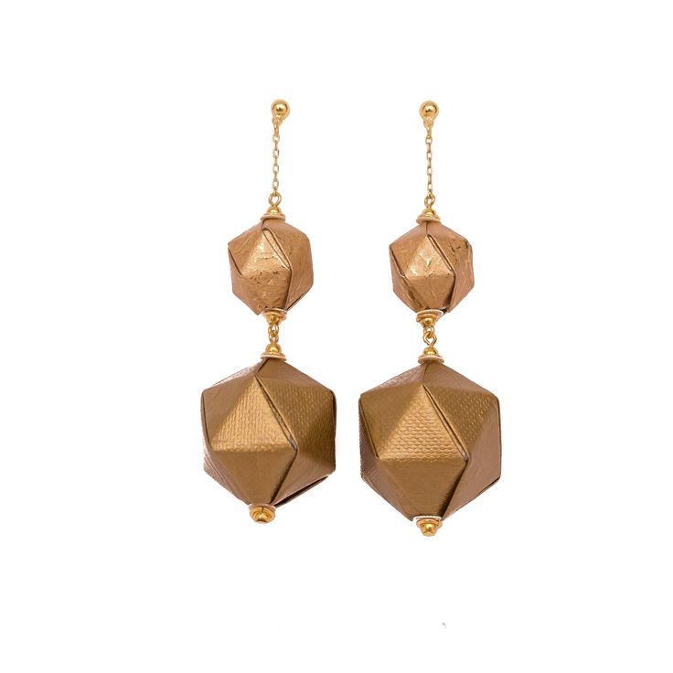 Big&Bold Earrings  . . . #origami #origamijewelry #origamijewellery #mayumiorigami #paperjewelry #artjewelry #paper #folding #foldedjewelry #jewelrymaking #jewelrygram #japan #japaneseart #handmadepaper #chiyogami #vscoportugal #vsco #contemporaryjewelry #paperart #papercrafts #artsandcrafts #kami #papier #papir #紙 #carta #paperi #紙 #종이 #紙