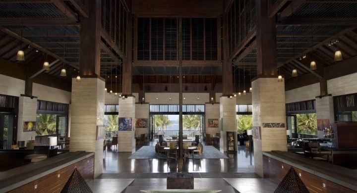 Conrad Bali Resort Lobby met zeezicht. Conrad Bali Resport en Spa, luxueus genieten op het eiland van de Goden en Demonen.