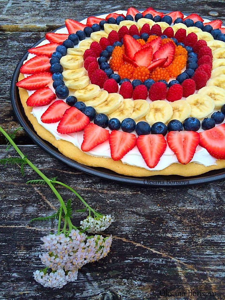 Сегодня я хочу вам предложить вкусный, по-настоящему летний десерт. Основа состоит из песочного теста, крем из сливочного сыра и свежие...