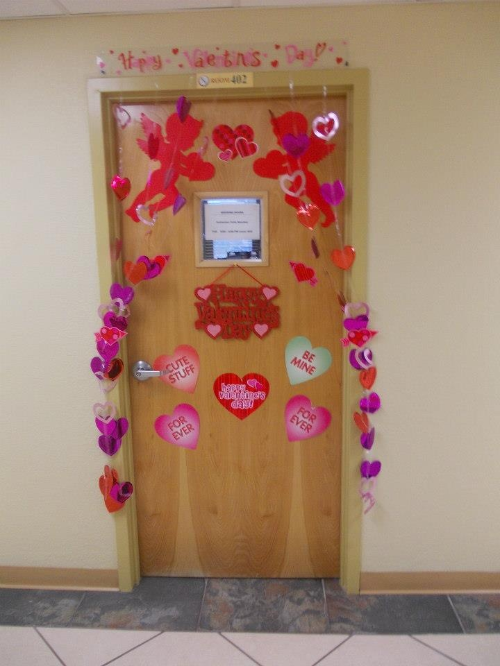 Door With Valentine 39 S Day Decorations The Apartment Life