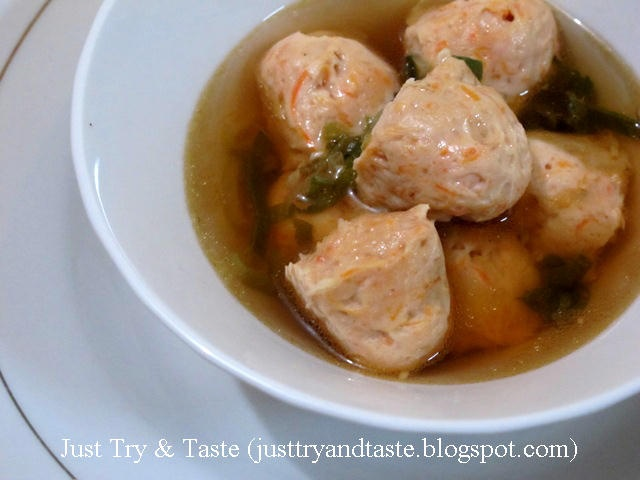 Shrimp Ball Soup (Sup Bola-Bola Udang)