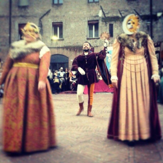 @iaiamcm_#igersferrara #rinascife2015 #rioneSantoSpiritoFerrara #BorgoSanGiorgioFerrara #carnevalerinascimentale