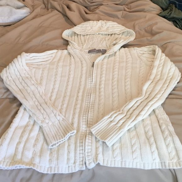 Cream zip up hoodie sweater Cream colored zip up hoodie sweater from Liz Claiborne. Heavy knit sweater with nice pattern. Zipper works great and minimal pilling. Liz Claiborne Sweaters Cardigans