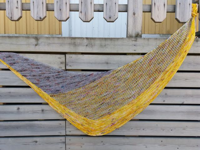 Lankaterapiaa: So hot right now - Flyway Twist shawl by Veera Välimäki
