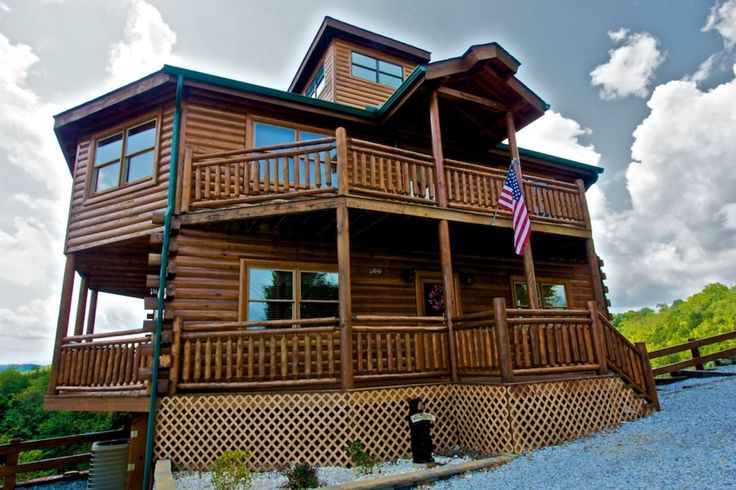 Find your perfect Gatlinburg, TN, vacation rental! Gatlinburg and Pigeon Forge are a perfect getaway any time of year. The Great Smoky Mountains provide a scenic backdrop full of outdoor recreation!