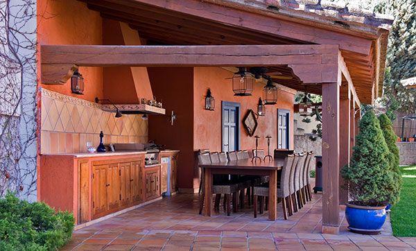 Pegado a la casa barbacoas cocinas y pergolas para for Fotos de barbacoas de obra para jardin