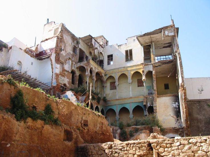 La Casbah : Les ruines de la maison où Hassiba Ben Bouali périt avec ses compagnons Ali la Pointe, Petit Omar et Hamid Bouhmidi dans la Casbah d'Alger au 5, rue des Abdérrames qui fut dynamitée par les parachutistes du 1er REP