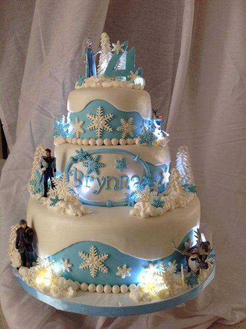 Torta di Frozen con decorazioni in pasta di zucchero n.78