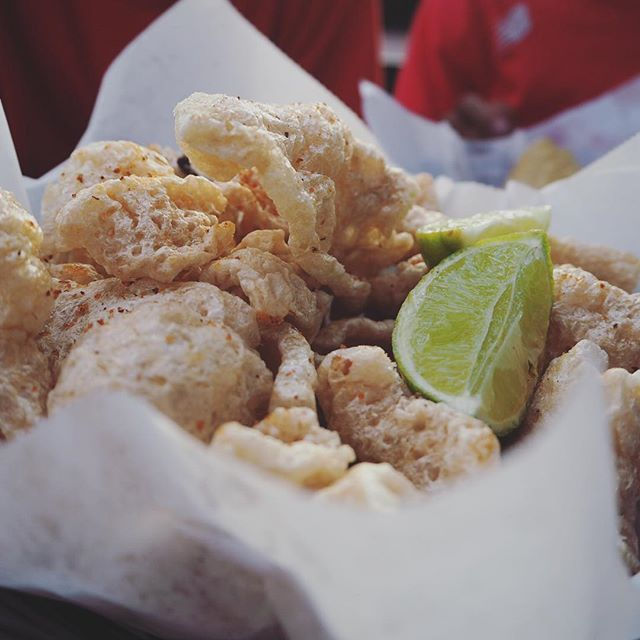#chicharrones #porkrind #porkskin #thebestmunchies #チチャロン #豚皮揚げ #おつまみ #最高 #lajolla #puesto #lajollalocals #sandiegoconnection #sdlocals - posted by HI-LO MINCE  https://www.instagram.com/hilomince. See more post on La Jolla at http://LaJollaLocals.com