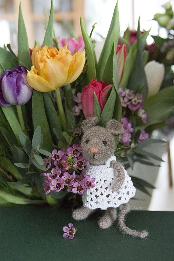 Tiny Crocheted Mouse, by Pysselboa, Free Crochet Patterns for the mouse and dress, From Annie's Granny.