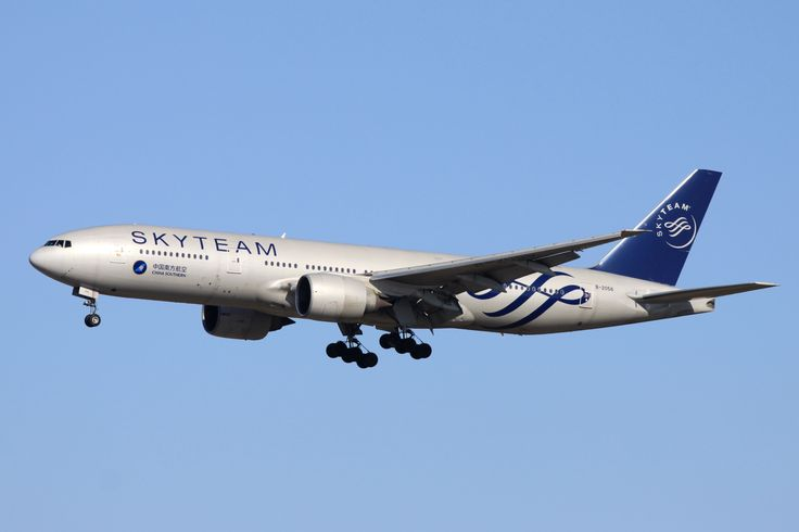 China Southern Airlines Boeing 777-200 B-2056