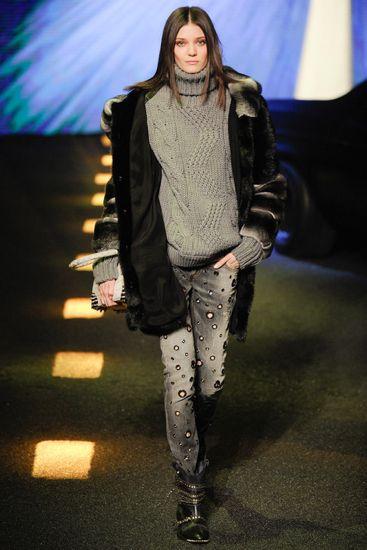 MILAN FASHION WEEK - Vaqueiras matadoras no desfile de Phillip Pleim - www.guiajeanswear.com.br - #GuiaJeansWear : O Portal do #Jeans