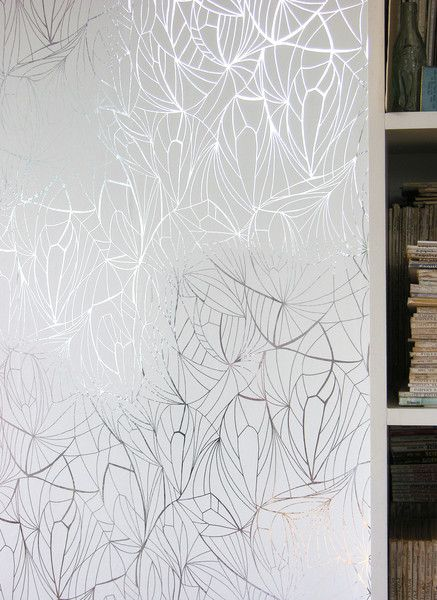Erica Wakerly Leaf - Silver White http://www.modern-wallpaper.com/collections/erica-wakerly/products/leaf-silver-white