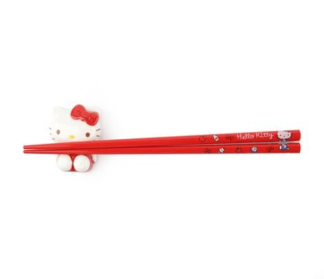 Hello Kitty Chopsticks and Rest: Dinnertime