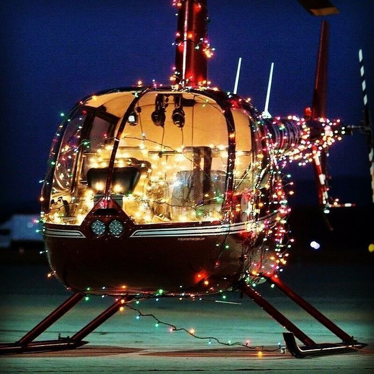 Merry Christmas everyone #merrychristmas #pilot #helicopter #holidays #pilotlife #helicopterride #r44 #robinson44