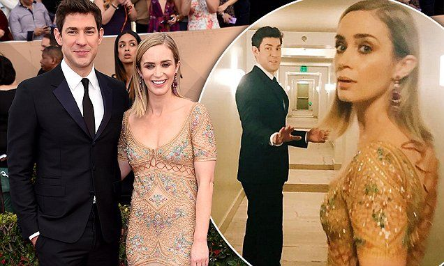 SAG Awards 2017: John Krasinski escorts wife Emily Blunt | Daily Mail Online