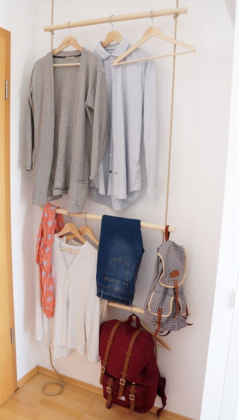 DIY Eine schmale Garderobe mit Seilen hinter der Türe, a slim rope clothing rack behind the door