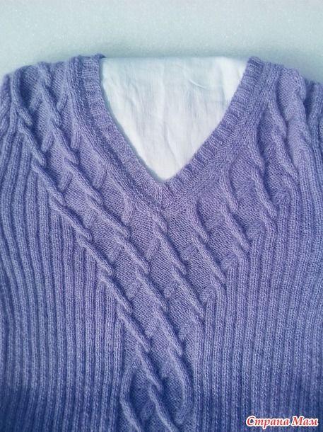 Для такого пуловера на размер 48-50 потребовалось 300 г пряжи Alize angora real 40 ( 100 г /480 м), спицы № 2 и 2,5. Описание пуловера здесь