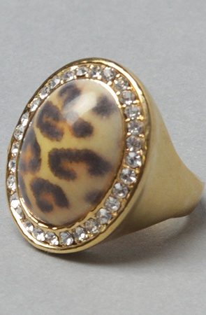 Leopard is definitely in this season.    #Fashion #trends #accessories #jewelry #rings