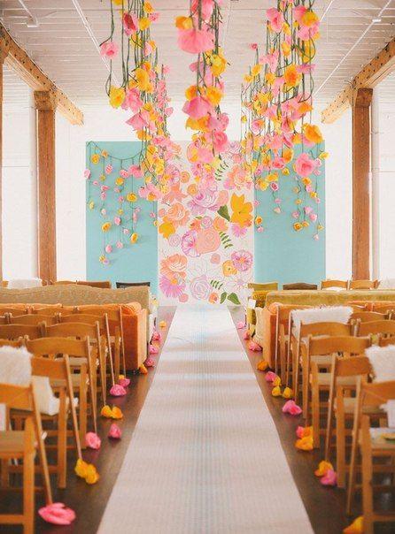 Цветочные гирлянды - декор для места торжества