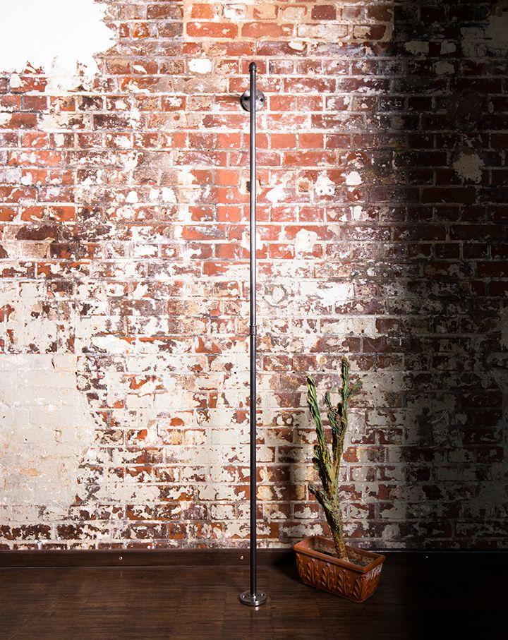 Kleiderstange · Garderobe · Stahlrohrgarderobe · Wasserrohr Möbel ·  Stahlrohre · Brickwall · Loft · Steel Pipe Design · Steel Pipes · Clothing  Stand ...