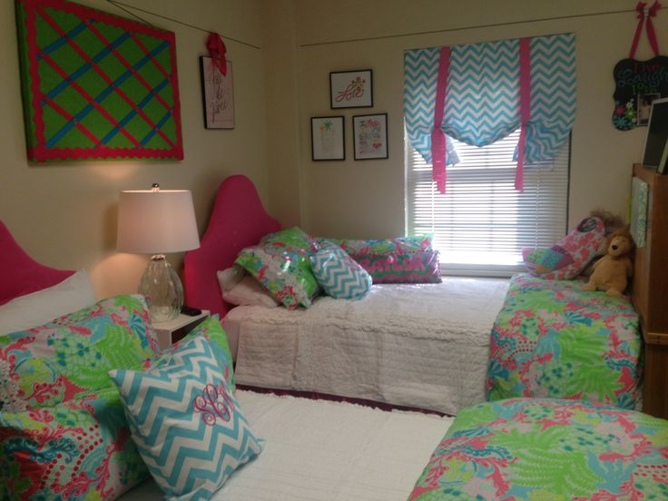 Collins dorm room @ #Baylor University  LOVE Lilly Pulitzer!!!: Spaces, Lilly Pulitzer, College Life, College Dorm, Google Search, Dorm Room Designs, Dorm Ideas, Baylor Dorm, Cute Dorm Rooms