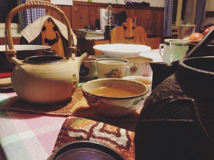 #holiday #sumava #teatime #tealovers #calm #wulong #teaadddict #tea #klubkocajuje Z prvního večera na Šumavě další vzpomínka!Pěkné klidné dva dny mimo Prahu.🍃🌿🕊😌☕️