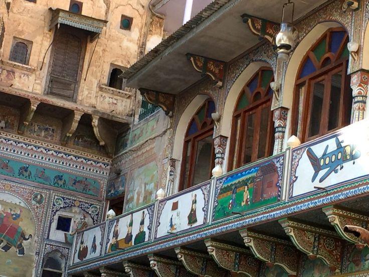 Why visit Mandawa, Rajasthan, India, famous for its Rajasthani Art