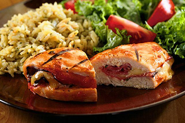 Démarquez-vous grâce à ce succulent classique: un plat de poulet barbecue farci!