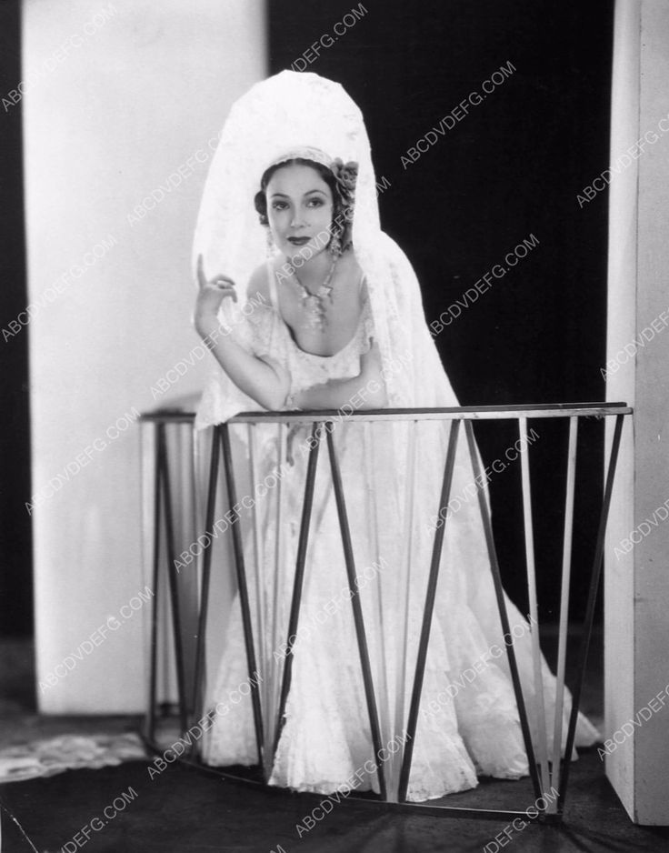photo beautiful Dolores Del Rio film The Dove 338-08