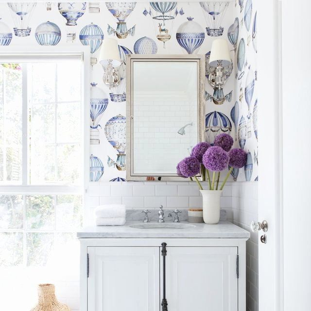 Bathroom Wallpaper Borders Ideas Inspirational Bathroom Borders For Walls Room And Country Bath In 2020 Bathroom Wallpaper Chic Wallpaper Beautiful Bathrooms