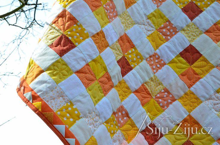 Dot square quilt / Šiju-Žiju.cz